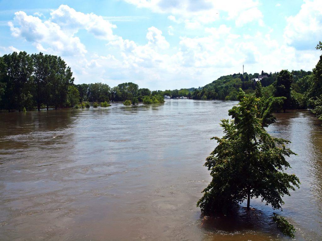 century-flood-2013-1510184_1280
