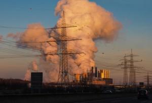 Kohlekraftwerke: Ineffizient und Klimakiller Bild: FotoHiero / pixelio.de