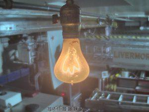 Livermore Glühbirne, die schon seit über 100 Jahren in einer Feuerwache brennt