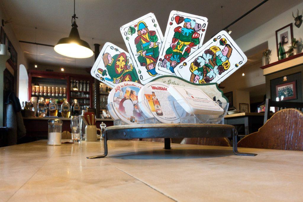 Stammtisch mit Schafkopfkarten